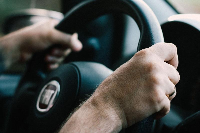 Identificar al conductor responsable de una infracción de tráfico